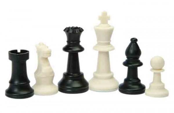 Schachfiguren aus Kunststoff