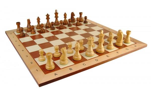 Schachbrett und Schachfiguren - Set